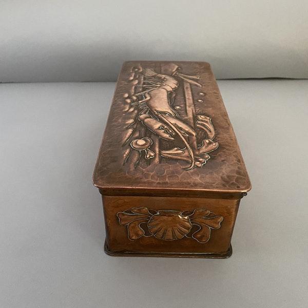 Date circa 1900, Copper Box by NEWLYN, SHAPIRO & Co - image 3