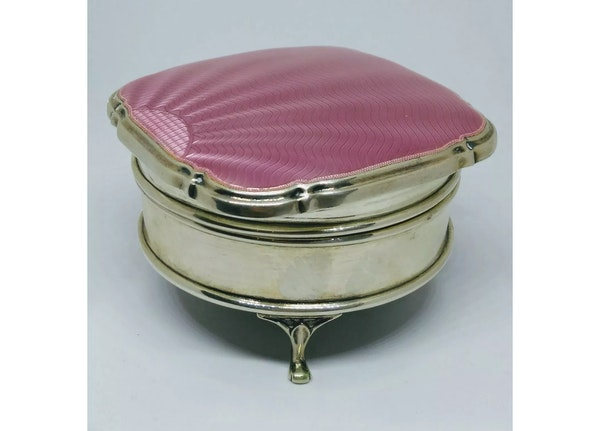 A pink antique silver and guilloche enamel jewellery box - image 4