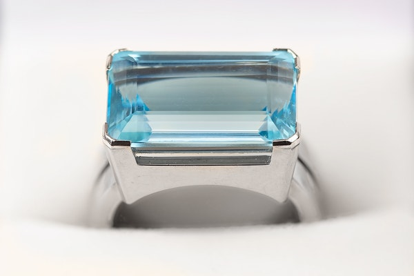 Vintage Natural Colour Aquamarine Ring mounted in White Gold, English dated 1961. - image 2