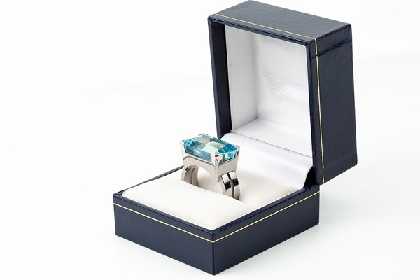 Vintage Natural Colour Aquamarine Ring mounted in White Gold, English dated 1961. - image 3
