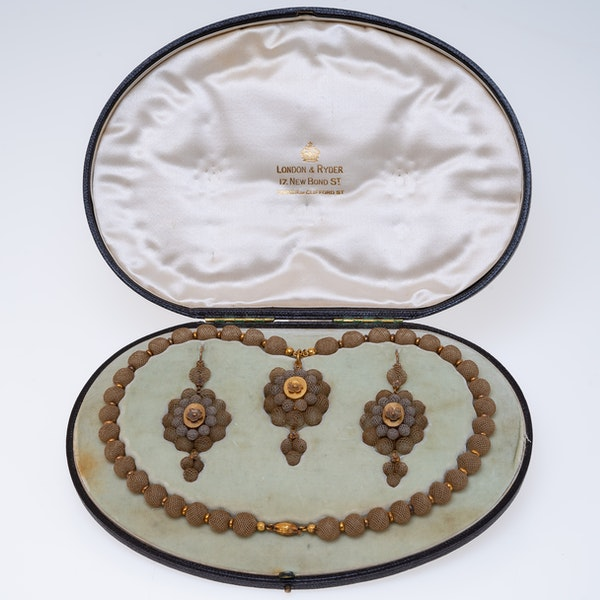 Victorian fine gold and hair suite - image 1