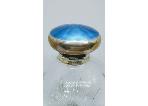 An antique silver and enamel scent bottle - image 4