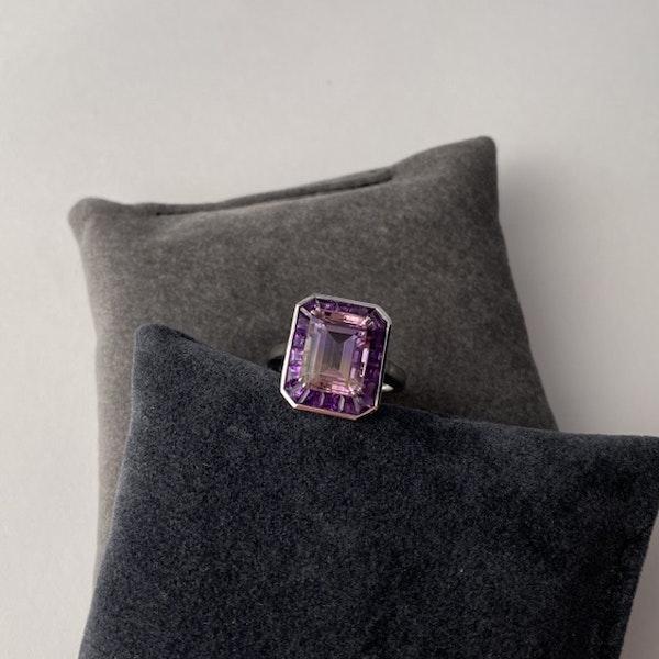 2010's, 18k White Gold Ametrine & Amethyst stone set Ring by Lilly Shapiro, SHAPIRO & Co - image 5