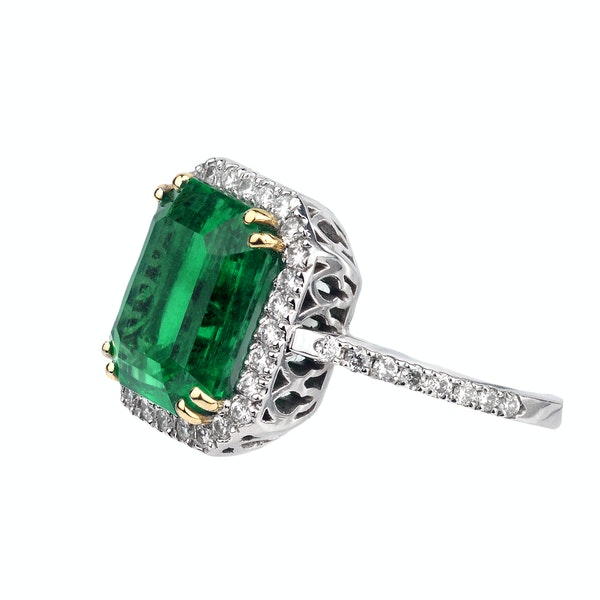 A Magnificent Emerald Dress Ring Offered by The Gilded Lily - image 2