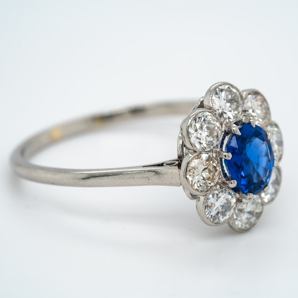 Edwardian sapphire and diamond cluster ring - image 2