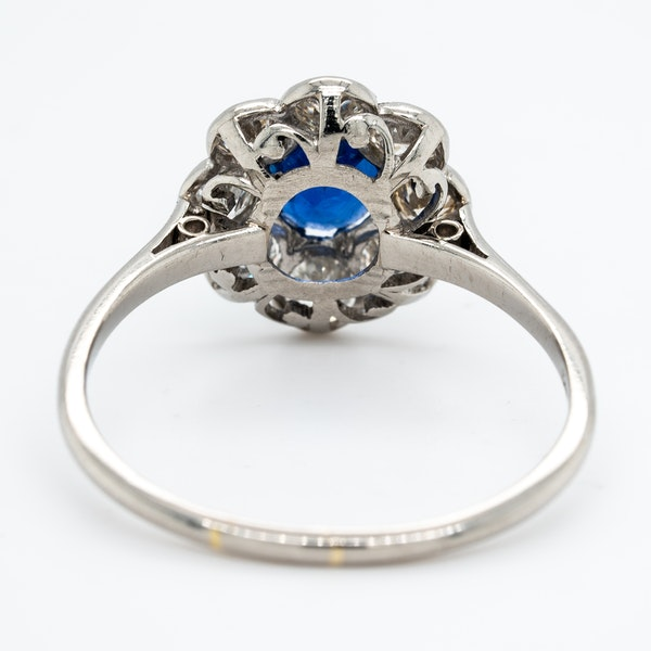 Edwardian sapphire and diamond cluster ring - image 4