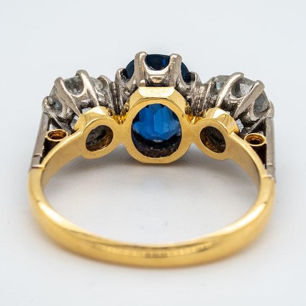 Three stone sapphire and diamond ring - image 4