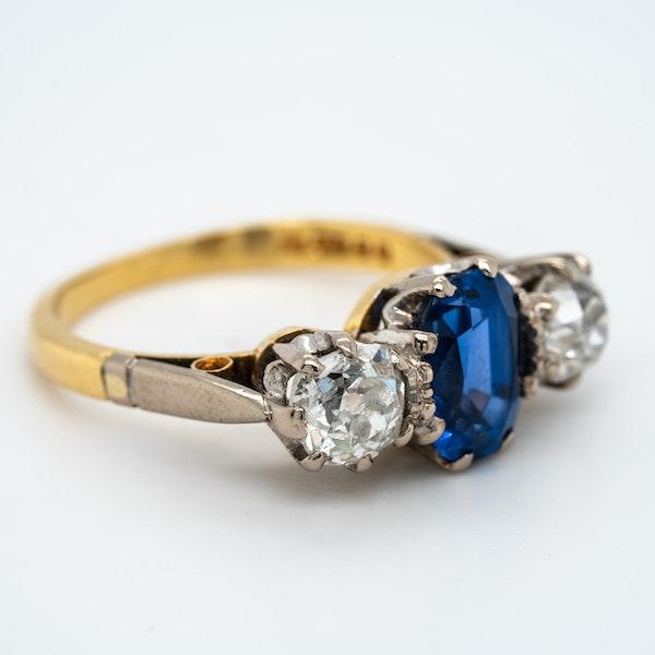 Three stone sapphire and diamond ring - image 3