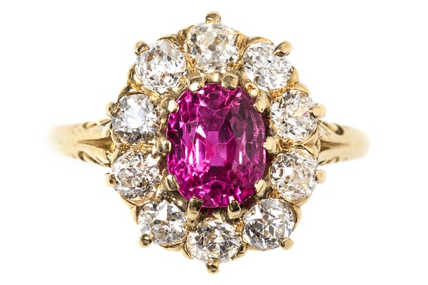 Victorian Ring with Burma Ruby and Diamonds in 18 Carat Gold, English circa 1890. - image 1