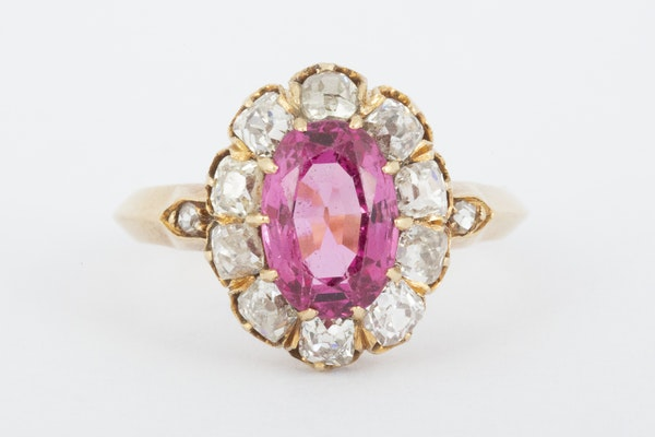 Antique Pink Spinel and Diamond Oval Cluster Ring in 18 Carat Gold, English circa 1865. - image 1