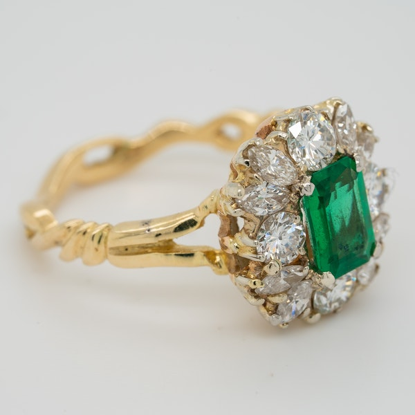 Emerald and diamond rectangular cluster  ring - image 2