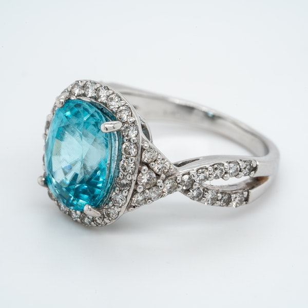 Blue Zircon and diamond cluster ring - image 3