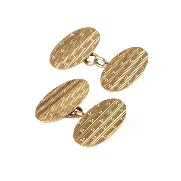 Antique 18 Carat Gold Classic Oval Cufflinks, English dated 1919. - image 2