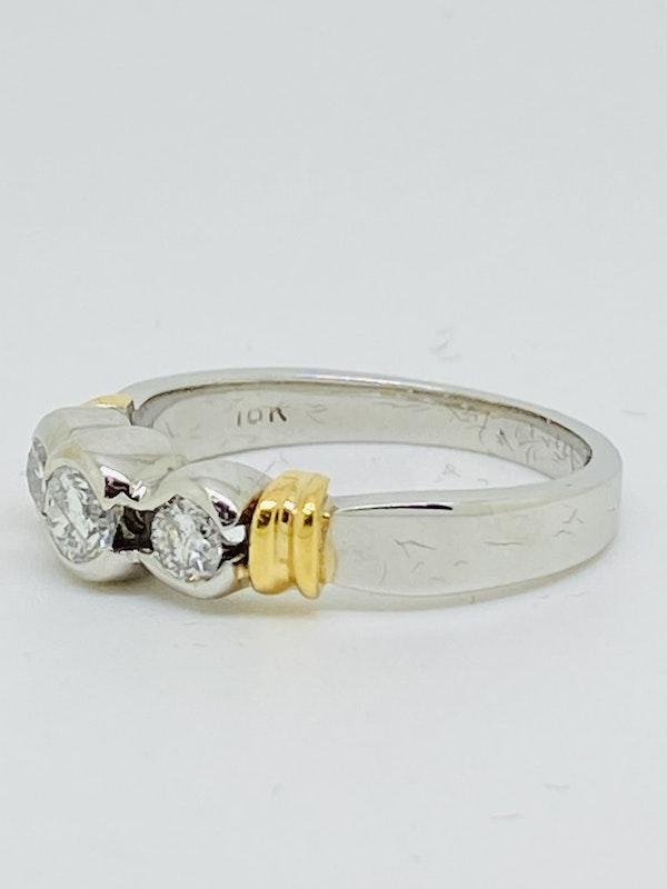 18K white gold 3 stone 0.70ct Diamond Ring - image 3