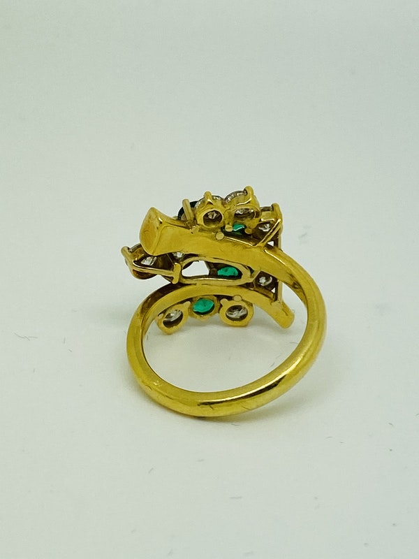 18K yellow gold Natural Emerald and Diamond Ring - image 4