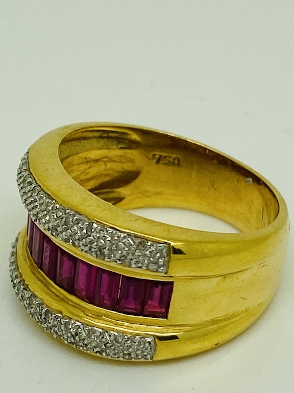 18K yellow gold 1.00ct Natural Ruby and 0.20ct Diamond Ring - image 3
