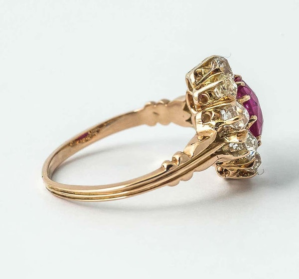 Antique Cluster Ring in 18 Carat Gold, Burma Ruby & Old Cut Brilliant Diamonds, English circa 1870. - image 4
