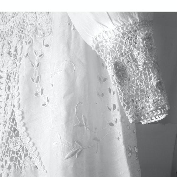 A dress - image 2
