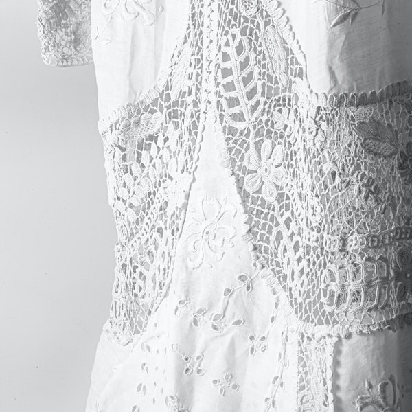 A dress - image 3