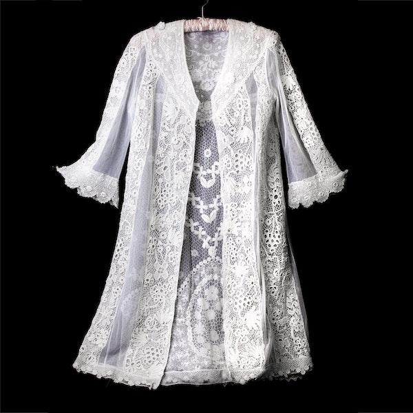 A coat - image 3