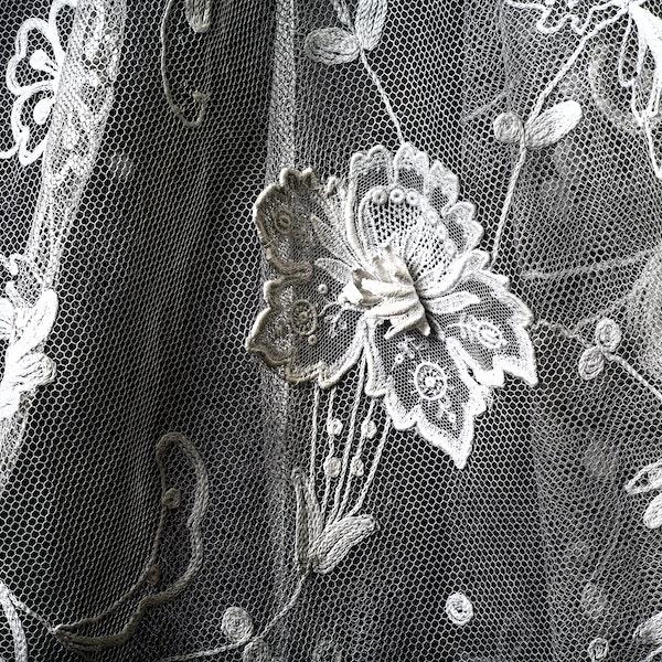 A skirt - image 3