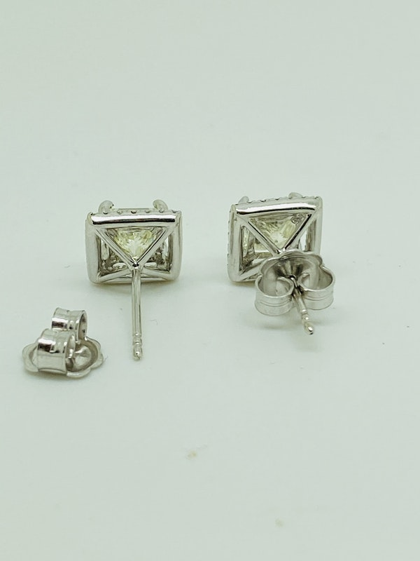 18K White Gold 2.24ct Diamond Studs Earrings - image 5