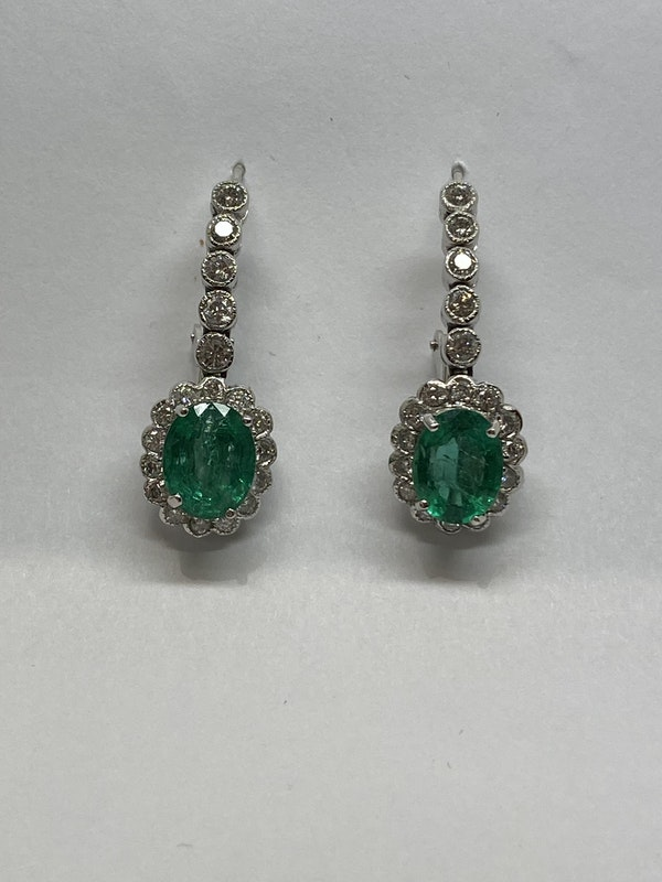 18K white gold 5.00ct Natural Emerald and 1.25ct Diamond Earrings - image 5