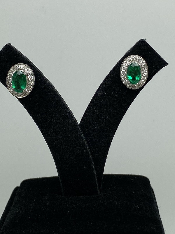 18K white gold Natural Emerald and Diamond Earrings - image 2