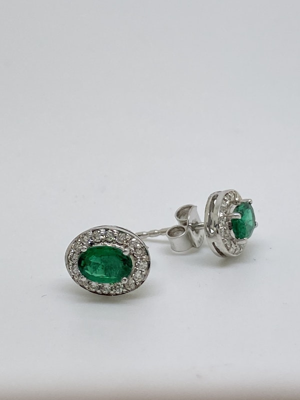 18K white gold Natural Emerald and Diamond Earrings - image 3