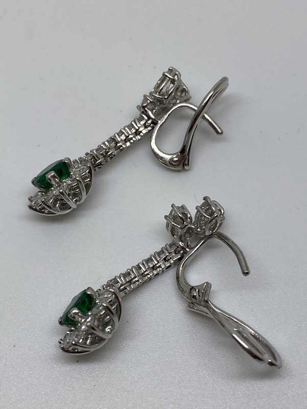 18K white gold 1.25ct Natural Emerald and 2.00ct Diamond Earrings - image 3