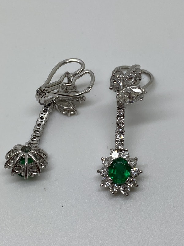 18K white gold 1.25ct Natural Emerald and 2.00ct Diamond Earrings - image 4