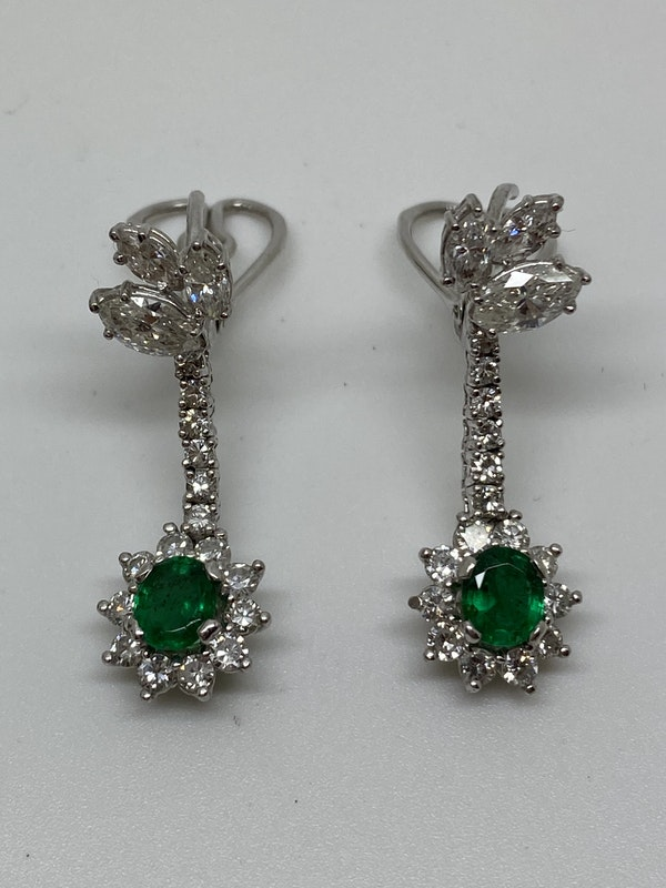 18K white gold 1.25ct Natural Emerald and 2.00ct Diamond Earrings - image 5