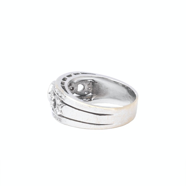 Antique White Gold and Diamond Ring - image 3