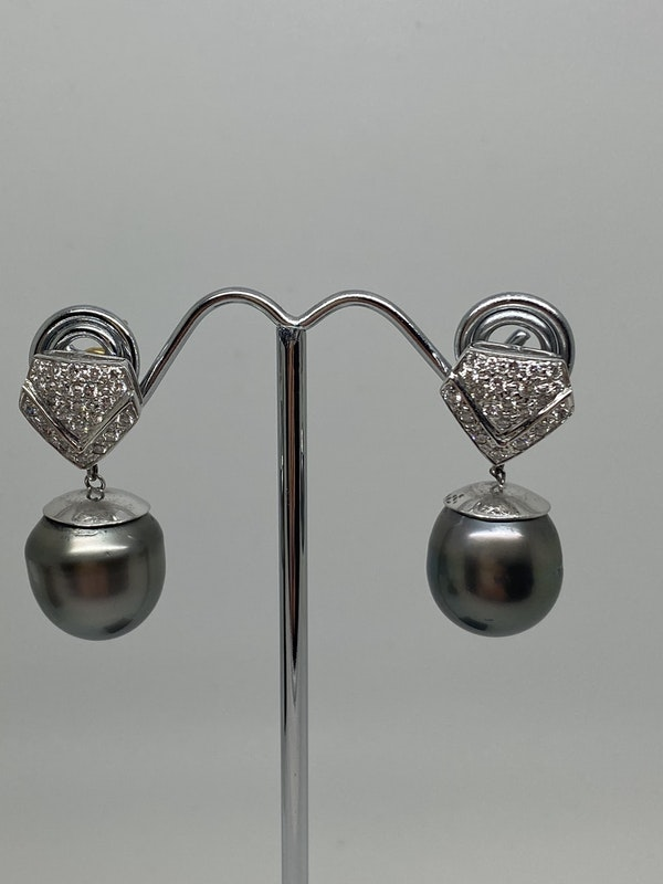 18K white gold Pearl and Diamond Earrings - image 3
