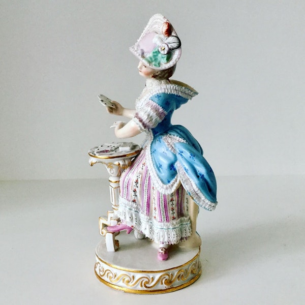 Meissen figure of card player - image 4