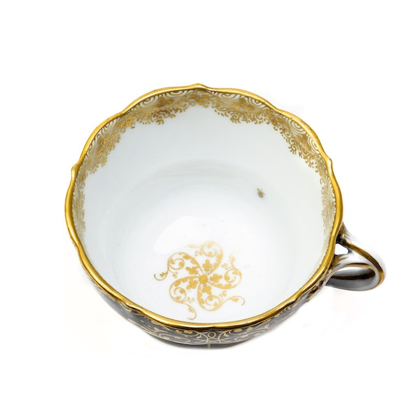 19th century Meissen cups and saucers - image 2