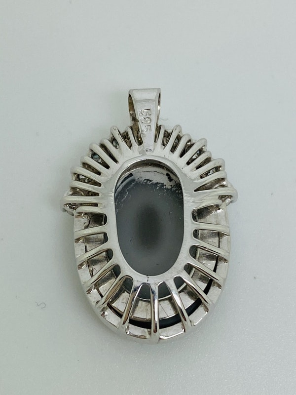 14K white gold Diamond and Opal Pendant - image 2