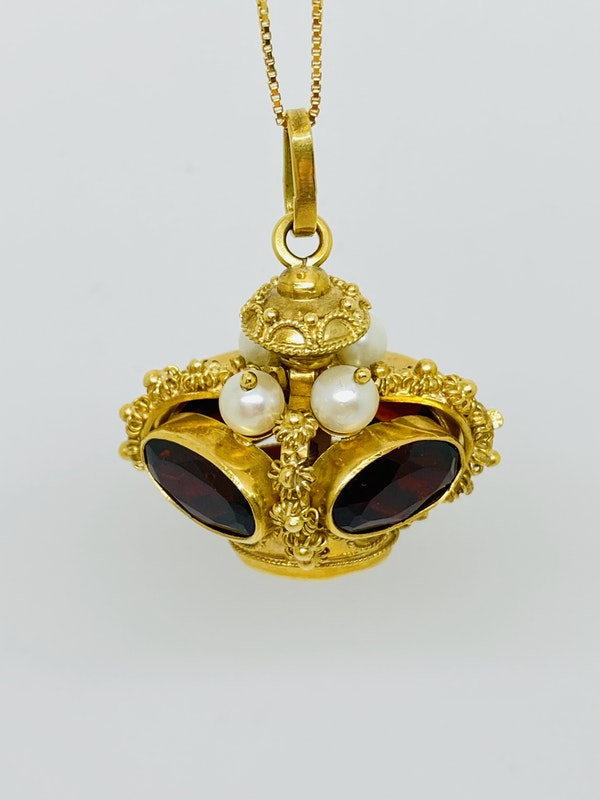 18K yellow gold Garnet and Pearl Pendant - image 2