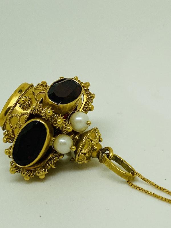 18K yellow gold Garnet and Pearl Pendant - image 5