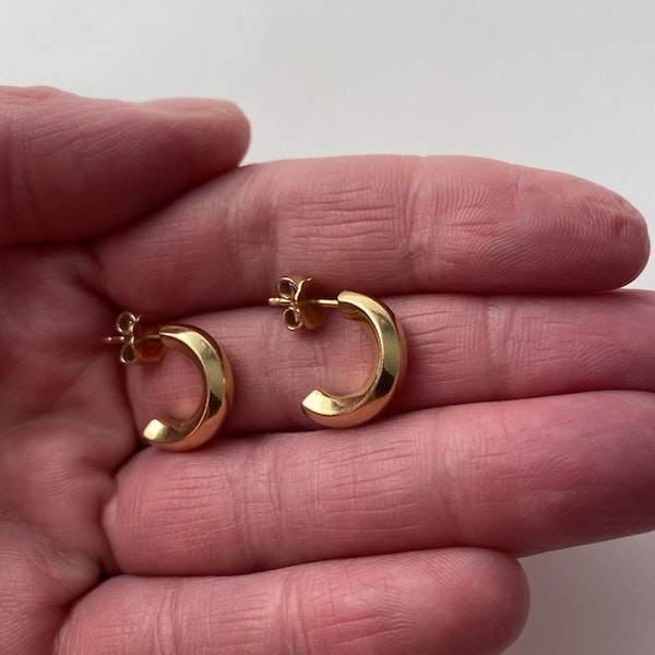 London 2004, 18ct Yellow Gold Earrings by BOODLES, SHAPIRO & Co - image 3