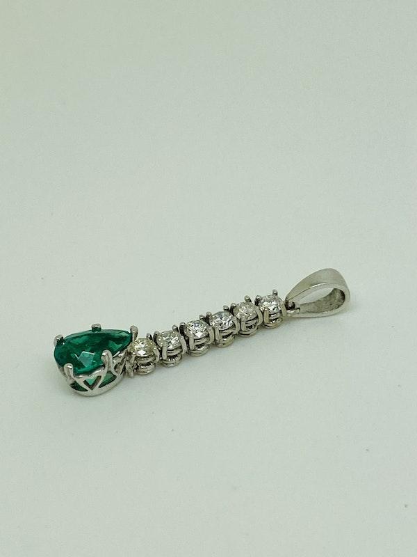 18K white gold 1.00ct Natural Emerald and 0.60ct Diamond Pendant - image 2