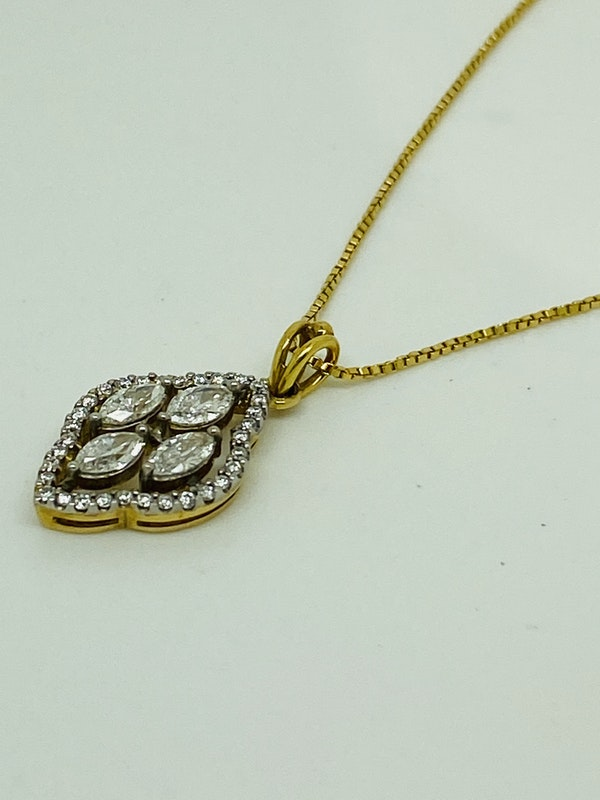 18K white/yellow gold Diamond Pendant - image 2