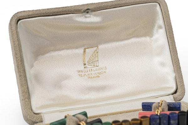 Vintage Van Cleef & Arpels Coloured Stone Baton Cufflink Set in 18 Karat Gold, French circa 1950. - image 5