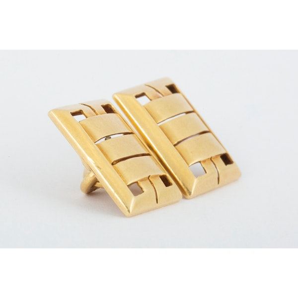 Vintage Cufflinks in 18 Carat Gold in an Openwork Woven Design, English circa 1930. - image 3