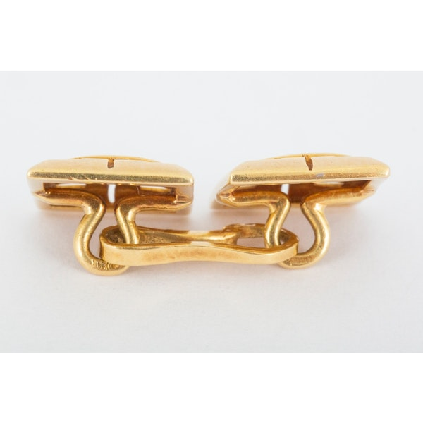 Vintage Cufflinks in 18 Carat Gold in an Openwork Woven Design, English circa 1930. - image 4