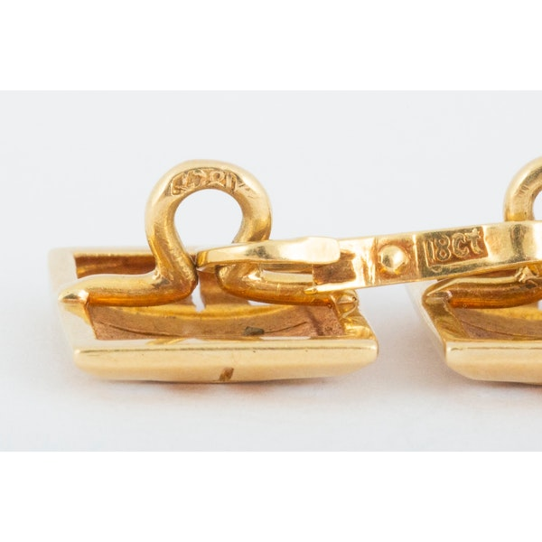 Vintage Cufflinks in 18 Carat Gold in an Openwork Woven Design, English circa 1930. - image 5