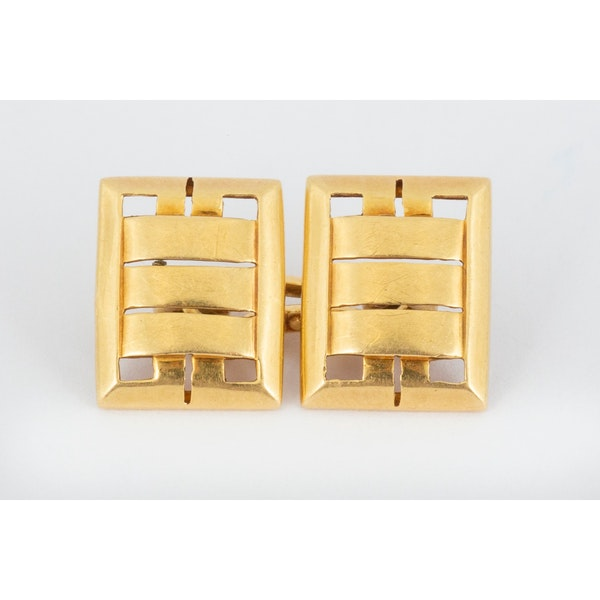 Vintage Cufflinks in 18 Carat Gold in an Openwork Woven Design, English circa 1930. - image 2