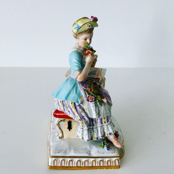 """Meissen figure of """"smell"""" - image 3"""