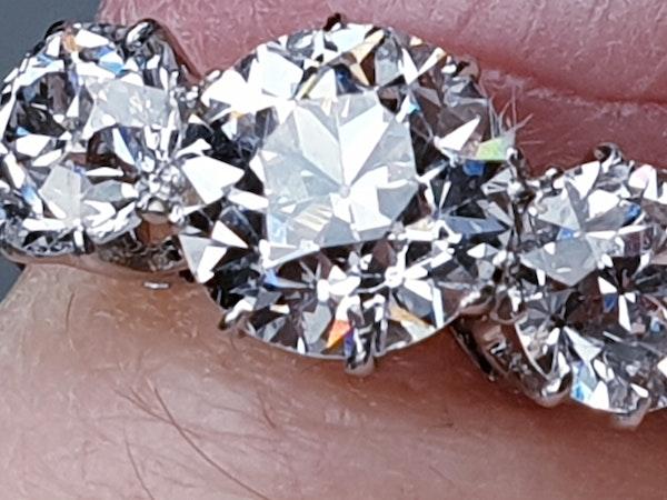 Art Deco Trilogy Diamond Ring - image 3