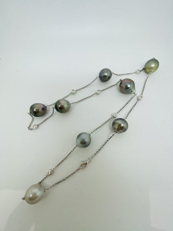 18K white gold Diamond and Pearl Necklace - image 2